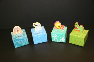 Aquatic creature cartons for loose sweets