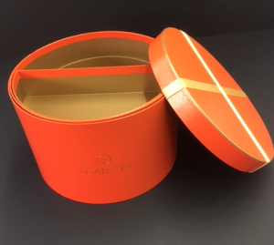 Hat boxes and round packaging boxes UK